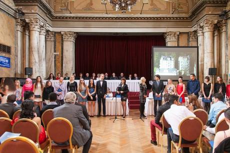 Вручение сертификатов в UJOP Карлова университета в Марианских Лазнях - 2015